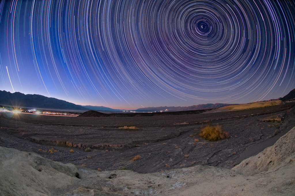 Death_Valley_Star_Trails