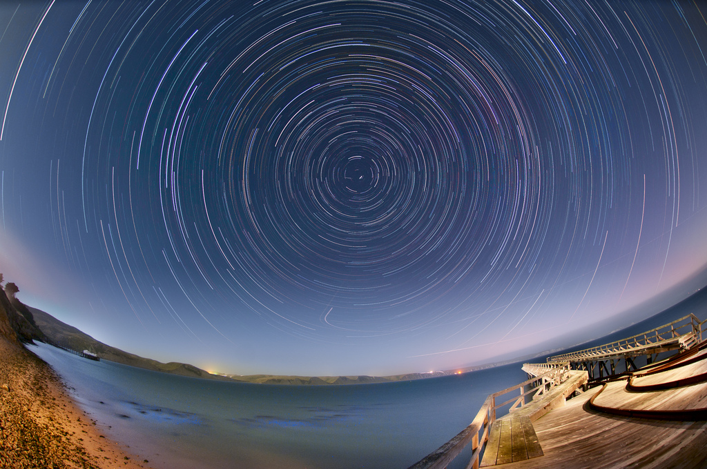 Star_Trails_over_Drakes_Bay